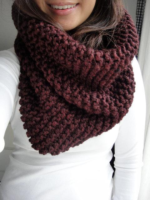chunky burgundy scarf