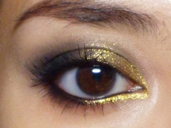 charcoal and gold eye makeup