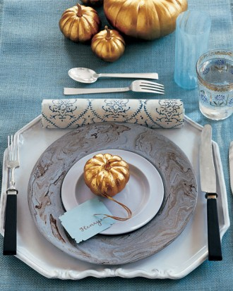 Blue & Gold Table Setting