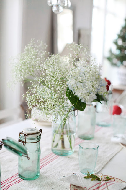 simple rustic chic table setting