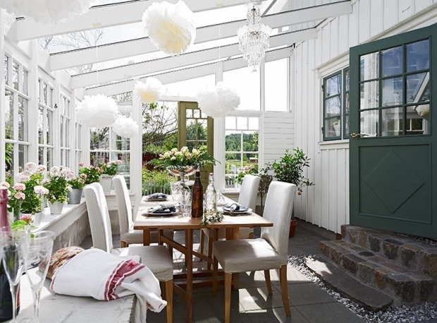 Sunroom for dinner parties
