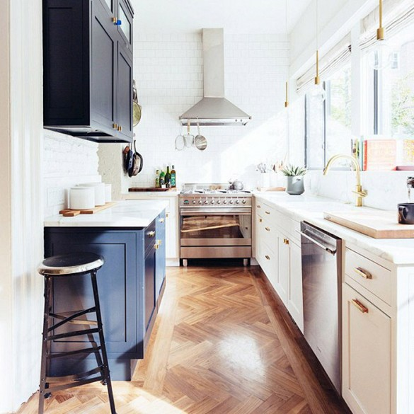 black and white kitchen and mixed metals